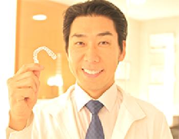 気になる歯並びを矯正☆マウスピース型歯列矯正「インビザライン治療」なら、痛さも軽減、見た目もGOOD!