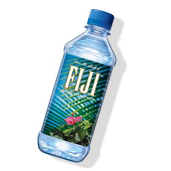 海外セレブも注目!コラーゲンを作るシリカたっぷり「フィジーウォーター」で水から綺麗を作りましょう♪