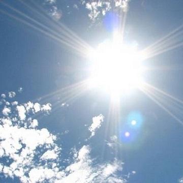 夏だけじゃなく冬も降り注ぐ紫外線対策の必需品☆プラセンタ入り日焼け止め【母の滴UVクリーム】